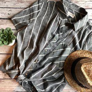 Universal threads stripe tie waist top